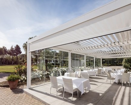 Opera Louvered Metal Structure on restaurant by Sunair